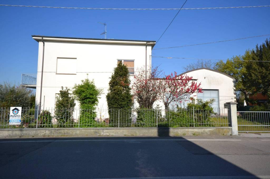 Appartamento in Vendita a San Giovanni In Persiceto Centro: 5 locali, 318 mq