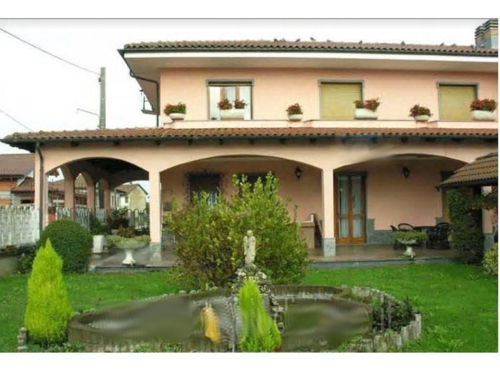 Villa in Vendita a Crescentino