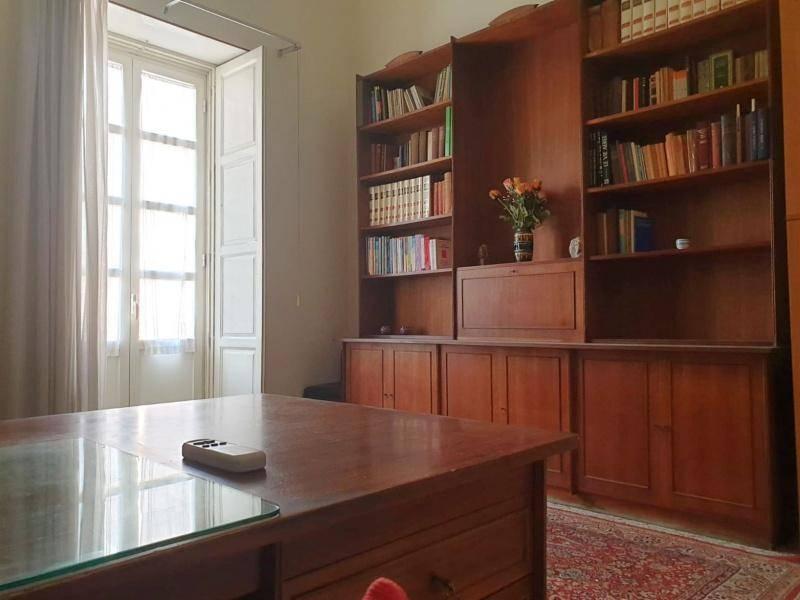 Ufficio-studio in Affitto a Catania Semicentro Nord: 5 locali, 140 mq