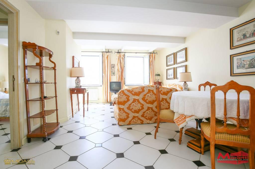 Appartamento in vendita a Camogli, 6 locali, Trattative riservate   CambioCasa.it
