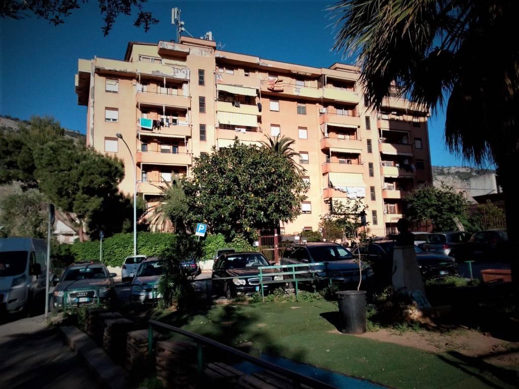 Appartamento in Vendita a Palermo Periferia Nord: 3 locali, 106 mq