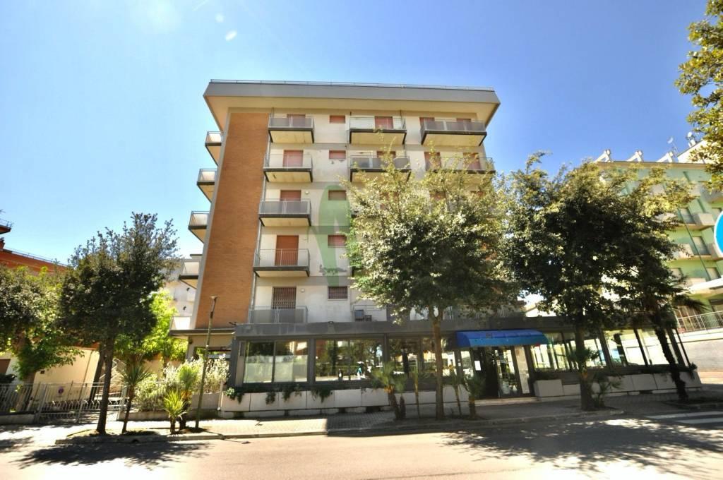 Appartamento in Vendita a Cesenatico Centro: 4 locali, 80 mq