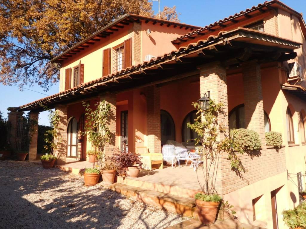 Villa in Vendita a Citta' Della Pieve Centro: 5 locali, 300 mq