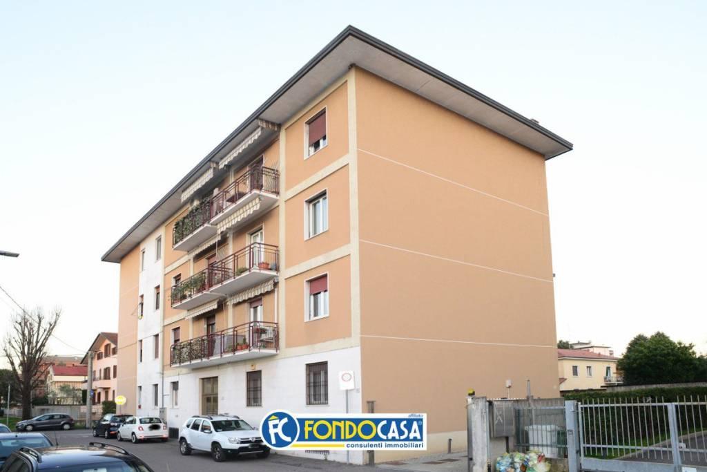 Appartamento in vendita a San Vittore Olona, 3 locali, prezzo € 127.000 | CambioCasa.it