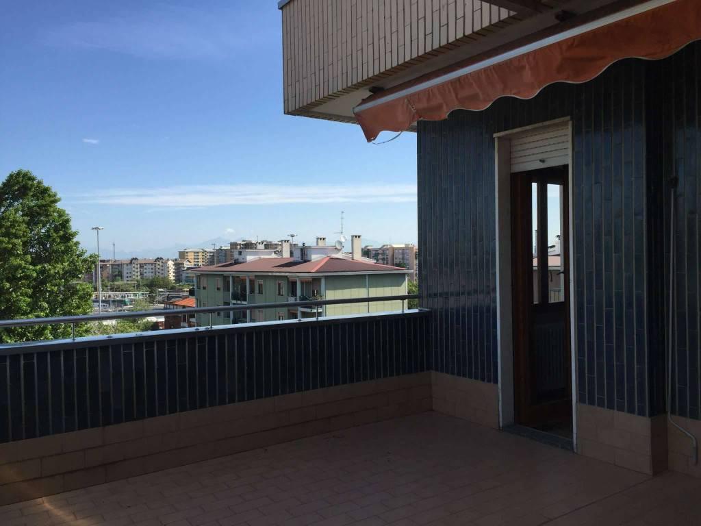 Appartamento in affitto a Novate Milanese, 2 locali, prezzo € 725 | CambioCasa.it