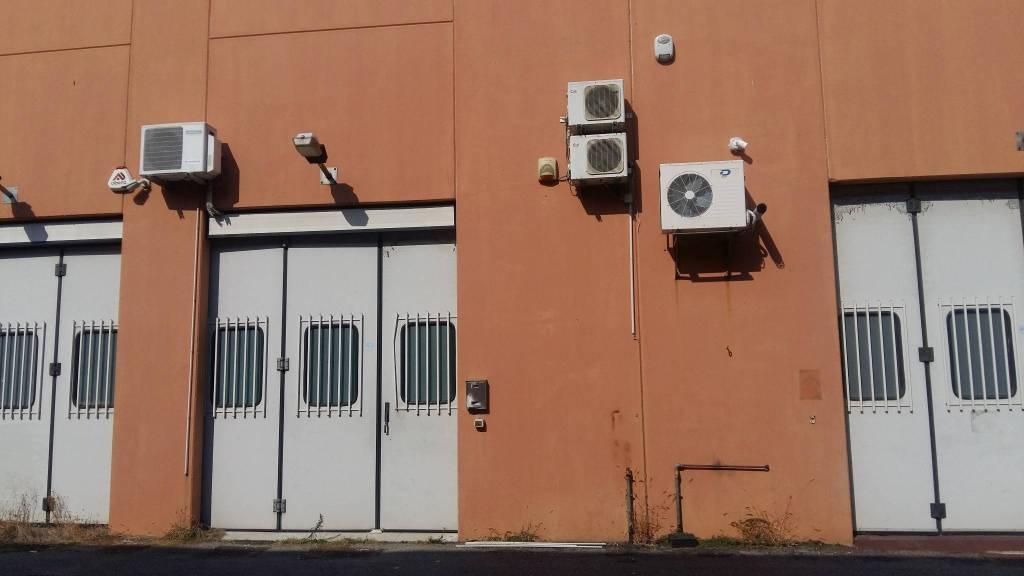 Capannone in affitto a Vignate, 1 locali, prezzo € 500 | PortaleAgenzieImmobiliari.it