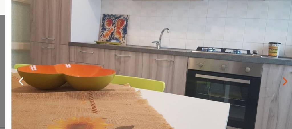 Appartamento in Affitto a Lecce Centro: 5 locali, 130 mq