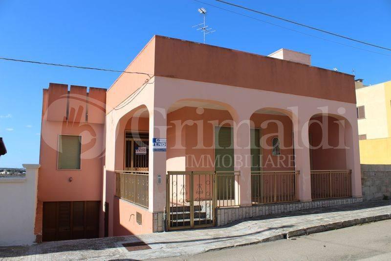 Villa in Vendita a Sannicola Centro: 5 locali, 175 mq