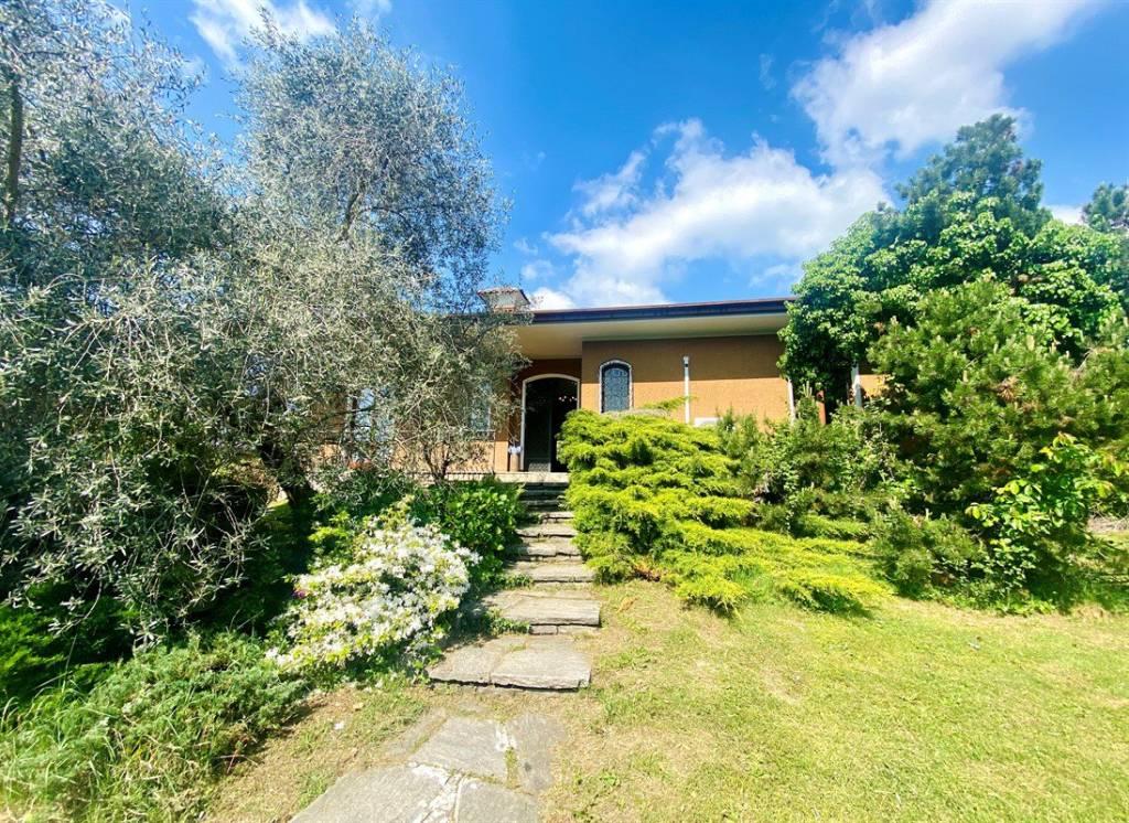 Villa in Vendita a Arcisate