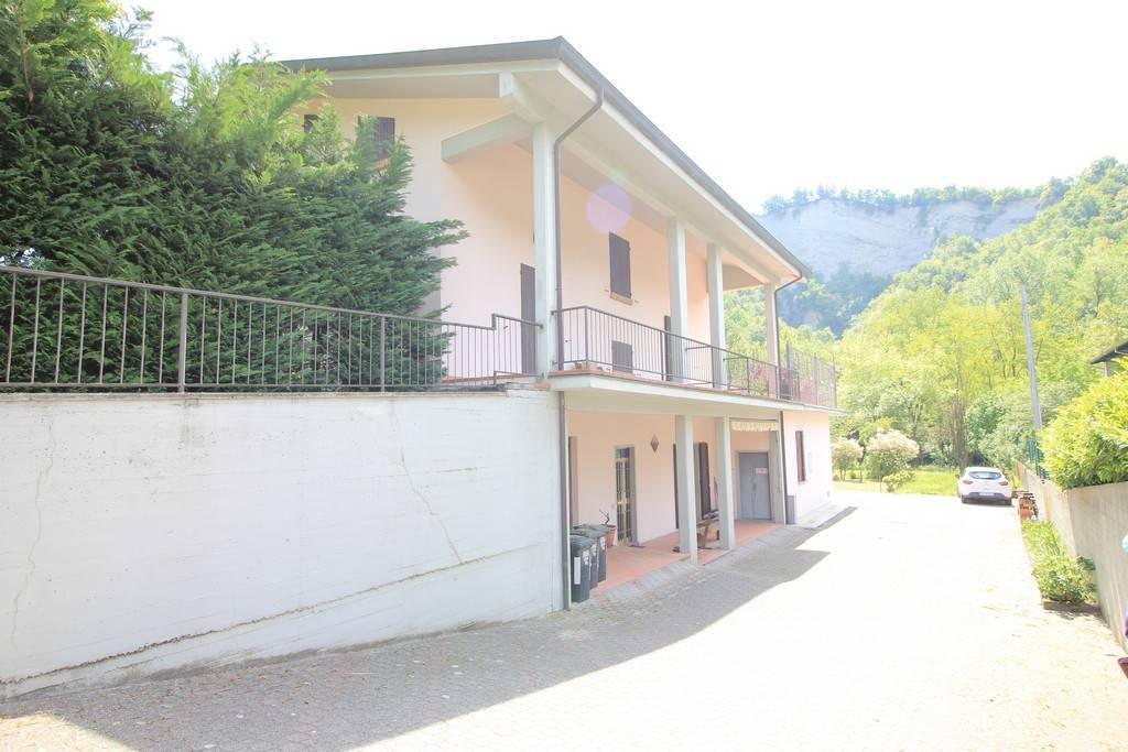 Appartamento in vendita a Medesano, 3 locali, prezzo € 69.000 | PortaleAgenzieImmobiliari.it