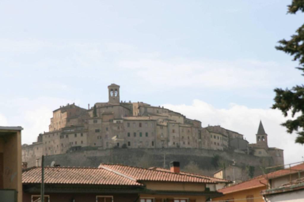 Palazzo in Vendita a Anghiari: 5 locali, 595 mq
