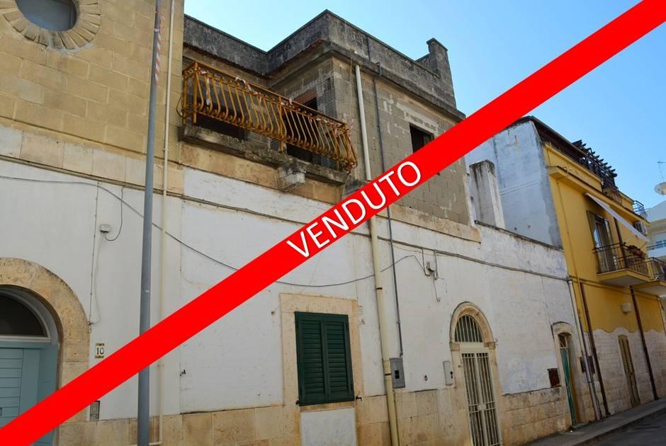 Stabile / Palazzo da ristrutturare in vendita Rif. 4570068