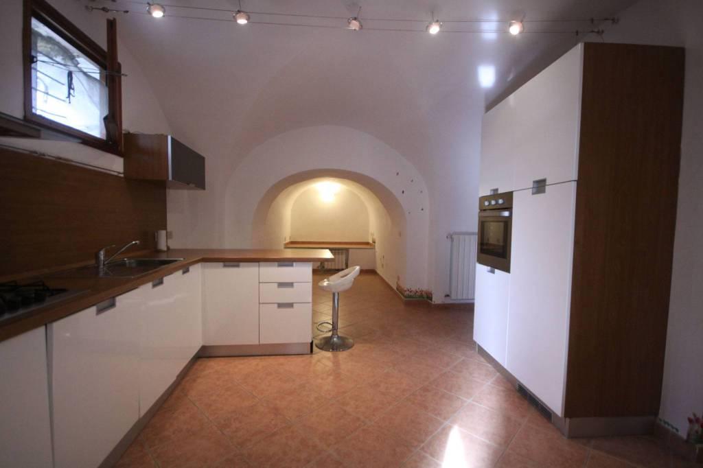 Appartamento in vendita a Pontedassio, 2 locali, prezzo € 60.000 | CambioCasa.it