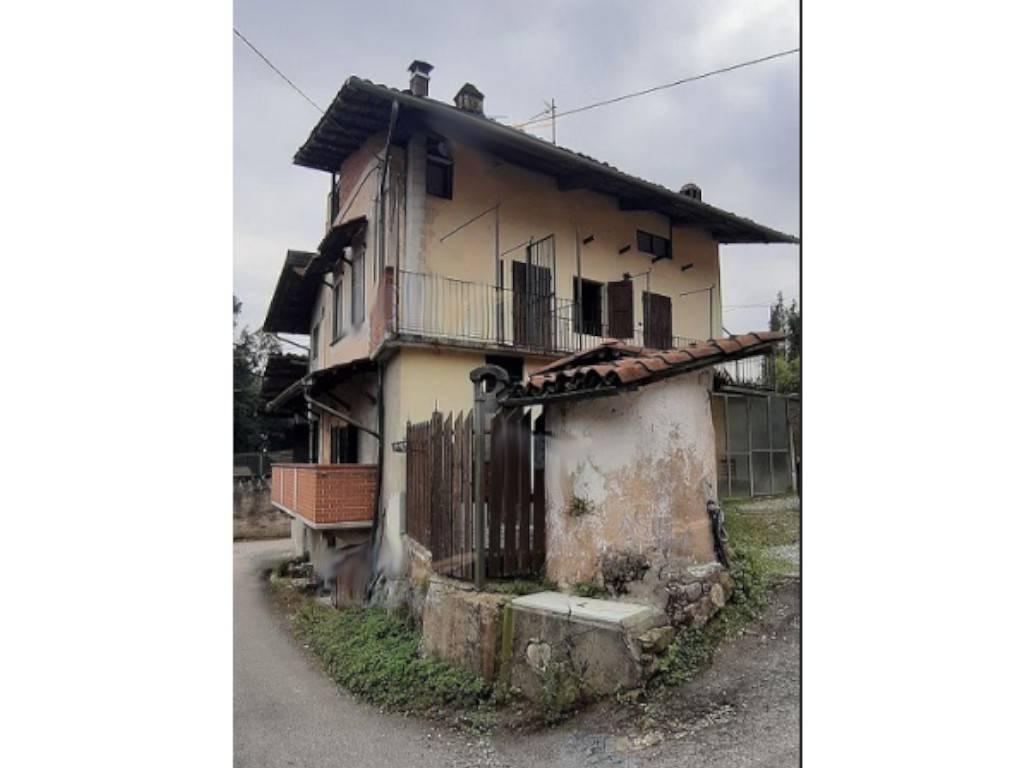 Villa in vendita a Valperga, 4 locali, prezzo € 48.000   CambioCasa.it