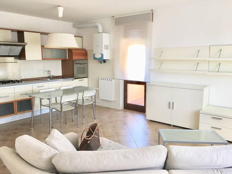 Appartamento in Vendita a Gossolengo: 2 locali, 70 mq