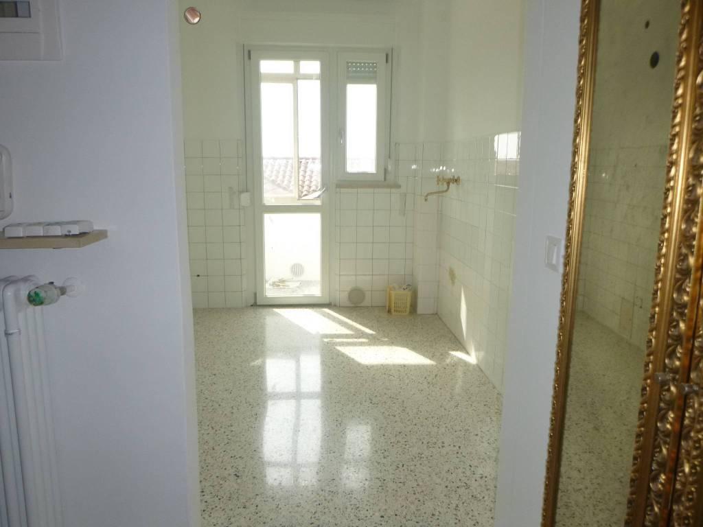 Appartamento in vendita a Codroipo, 4 locali, prezzo € 85.000 | CambioCasa.it