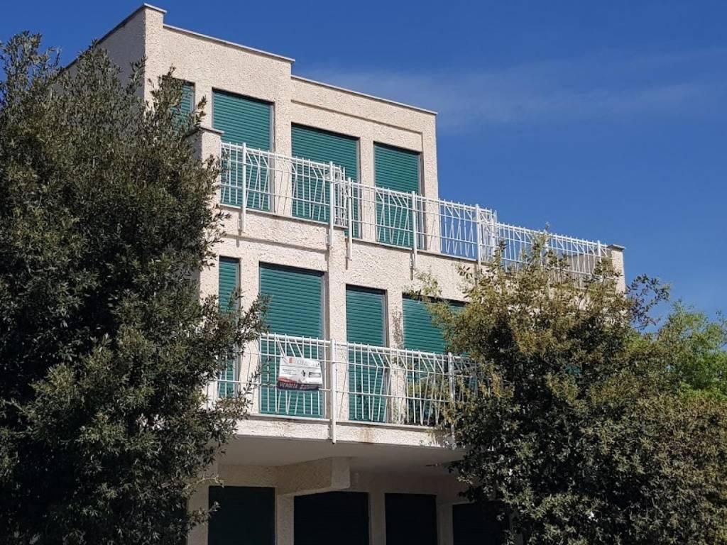 Appartamento in vendita a Santa Marinella, 2 locali, prezzo € 95.000 | CambioCasa.it