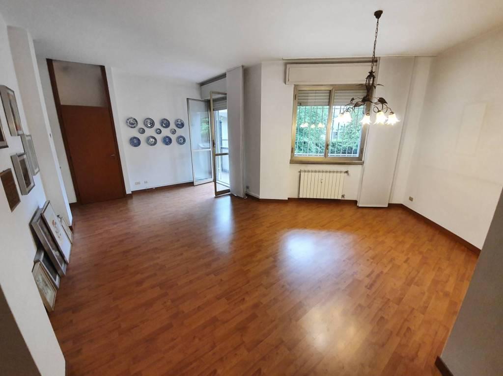 Appartamento in vendita a Saronno, 4 locali, prezzo € 225.000   PortaleAgenzieImmobiliari.it