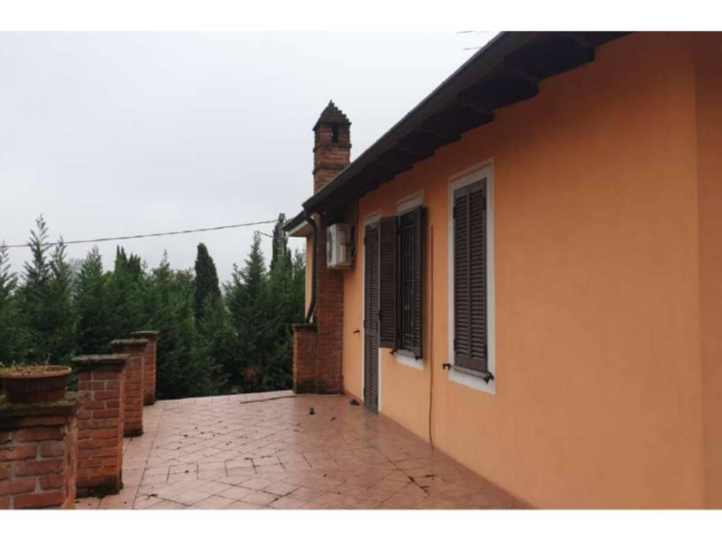 Villa a San Salvatore Monferrato in Vendita