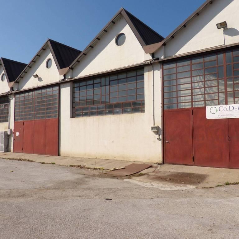 Capannone in affitto a Fossano, 6 locali, prezzo € 1.200 | CambioCasa.it