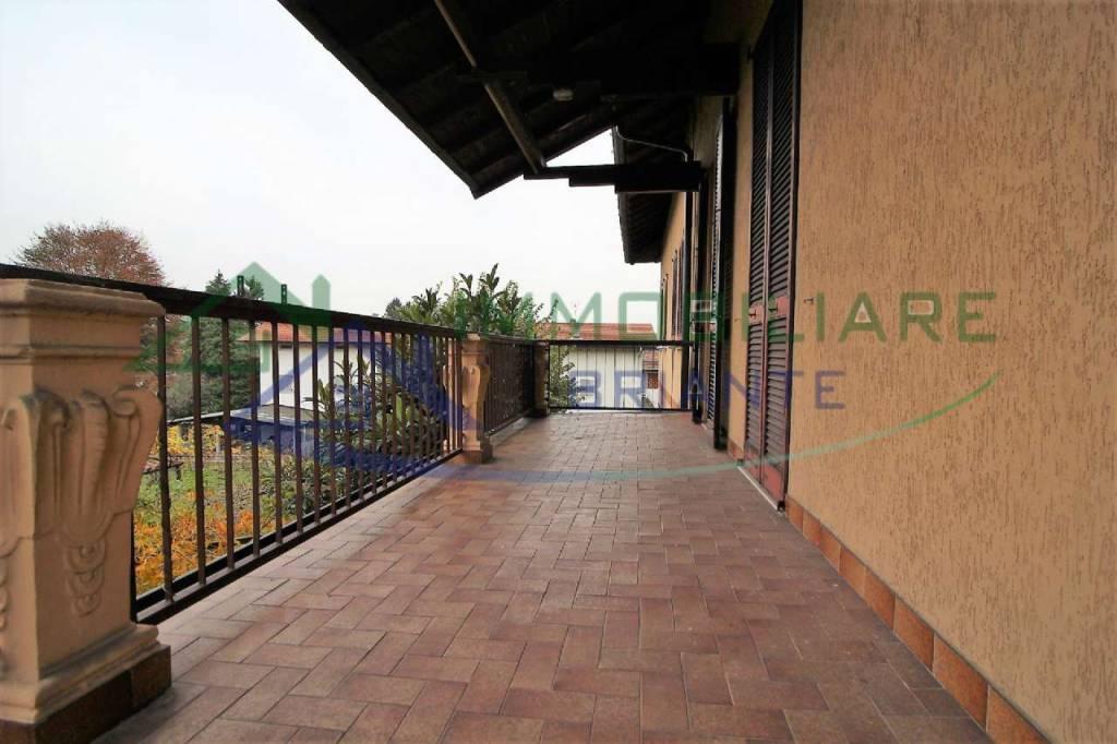 Appartamento in vendita a Somma Lombardo, 3 locali, prezzo € 98.000   CambioCasa.it