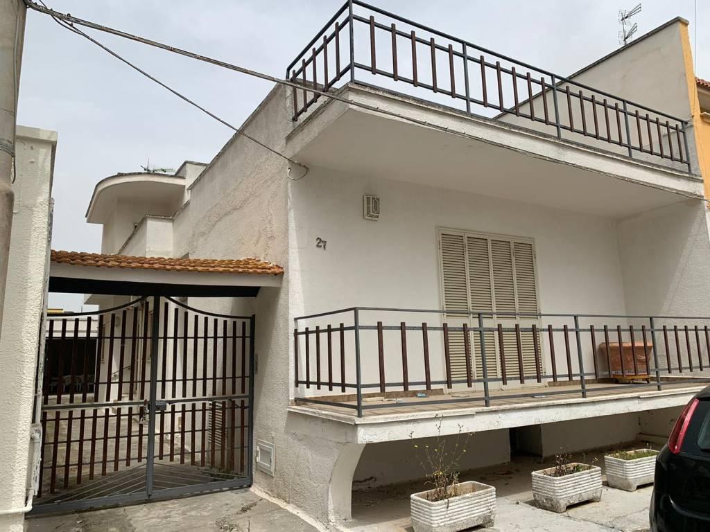 Villa in Vendita a Copertino Centro: 5 locali, 208 mq