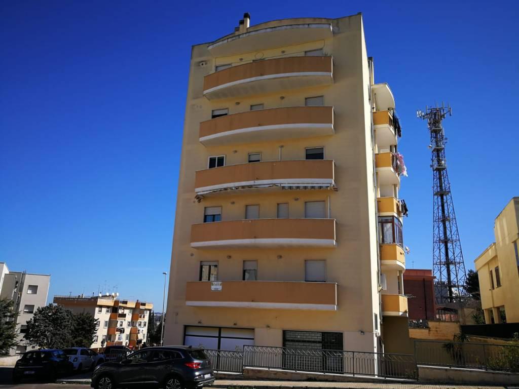 Appartamento in vendita a Gallipoli, 6 locali, prezzo € 189.000 | CambioCasa.it
