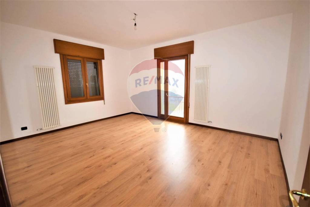 Appartamento in vendita a Vicenza, 4 locali, prezzo € 130.000 | CambioCasa.it