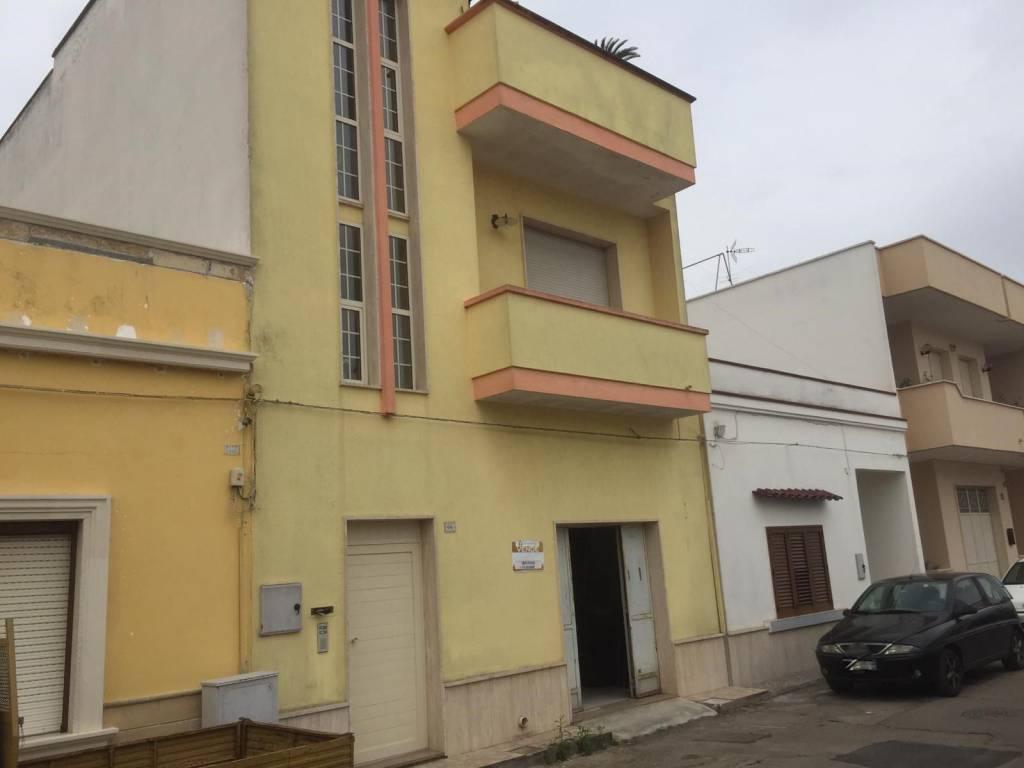Appartamento in vendita a Taviano, 4 locali, prezzo € 50.000 | PortaleAgenzieImmobiliari.it
