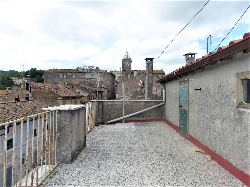 Appartamento in vendita a Caprarola, 5 locali, prezzo € 47.000 | PortaleAgenzieImmobiliari.it