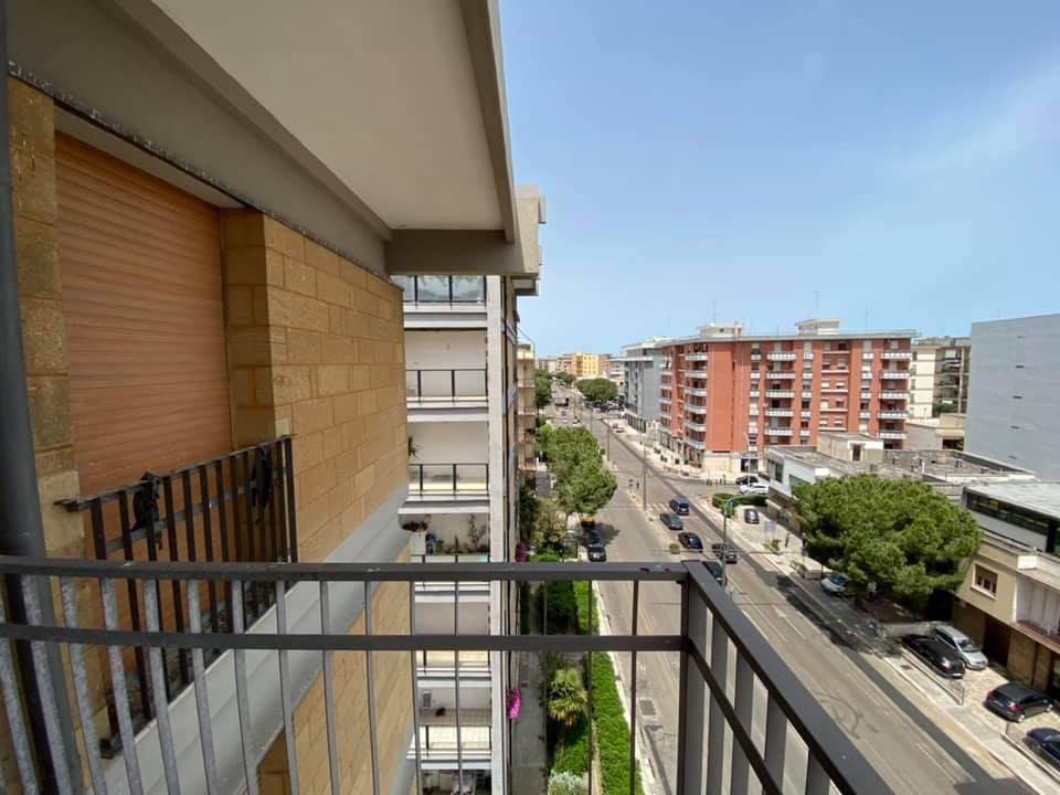 Appartamento in vendita a Lecce, 5 locali, prezzo € 115.000   CambioCasa.it
