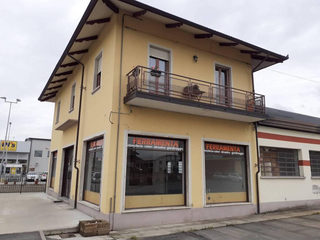 Negozio / Locale in affitto a Vigone, 2 locali, prezzo € 1.700 | PortaleAgenzieImmobiliari.it
