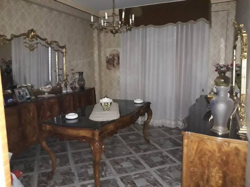 Appartamento in vendita a Carini, 5 locali, prezzo € 120.000 | PortaleAgenzieImmobiliari.it