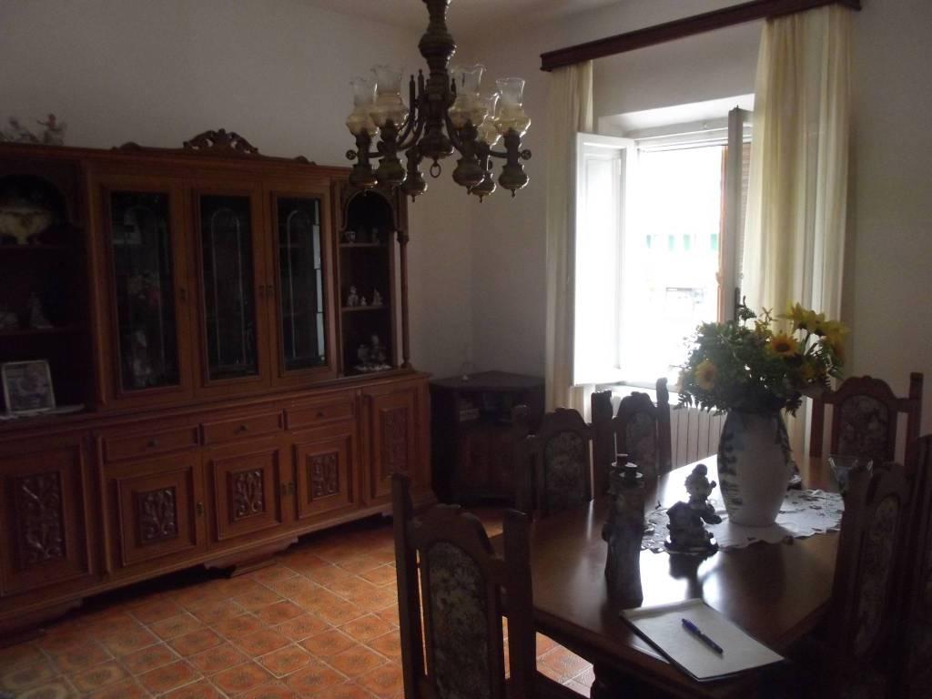 Appartamento in Vendita a Pontedera: 5 locali, 120 mq