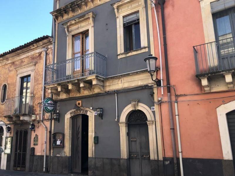 Negozio-locale in Vendita a San Giovanni La Punta Centro: 1 locali, 100 mq