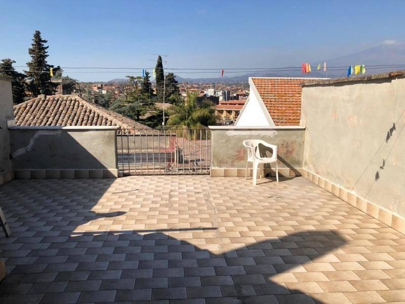 Casa indipendente in Vendita a San Giovanni La Punta Centro: 5 locali, 160 mq