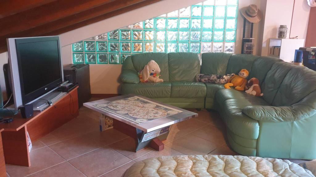 Appartamento in vendita a Fidenza, 4 locali, prezzo € 155.000 | CambioCasa.it