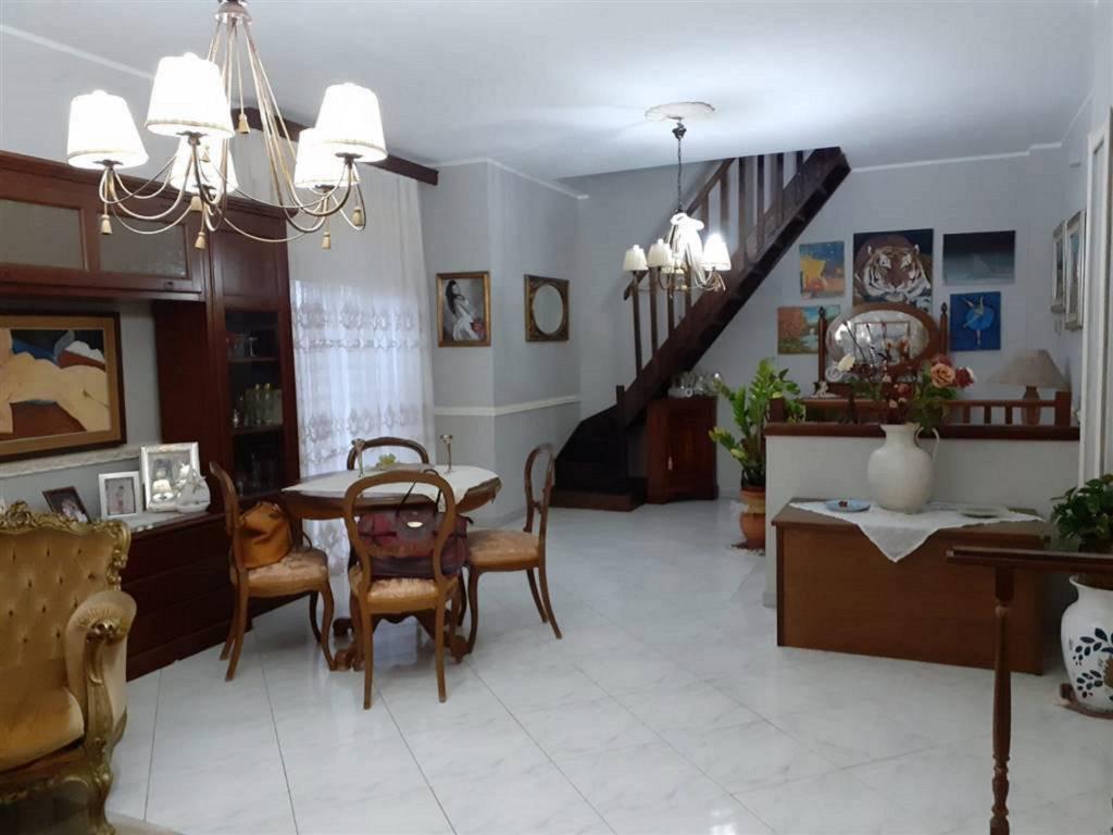 Appartamento in Vendita a San Pietro Clarenza Centro: 4 locali, 95 mq