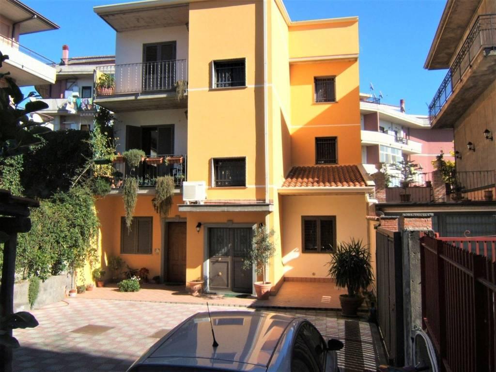 Appartamento in Vendita a Gravina Di Catania Centro: 3 locali, 85 mq