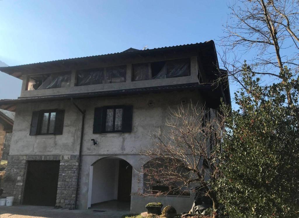 Villa in vendita a Albino, 6 locali, prezzo € 299.000   PortaleAgenzieImmobiliari.it