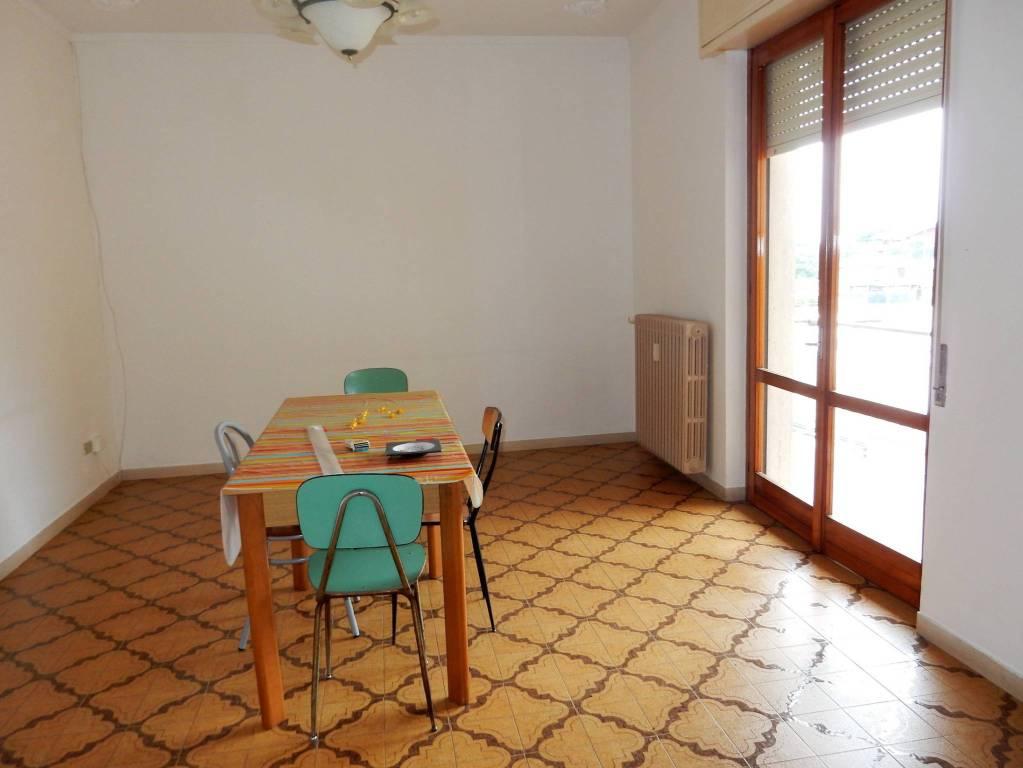 Appartamento in vendita a Cuggiono, 3 locali, prezzo € 120.000 | PortaleAgenzieImmobiliari.it