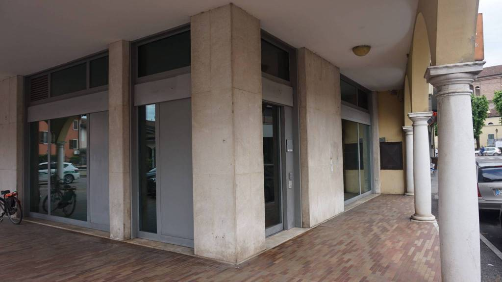 Negozio / Locale in affitto a Ghedi, 3 locali, prezzo € 630 | PortaleAgenzieImmobiliari.it