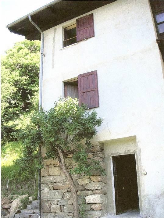 Rustico / Casale in vendita a Settimo Vittone, 6 locali, prezzo € 110.000   PortaleAgenzieImmobiliari.it