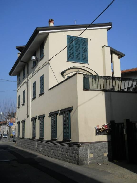 Soluzione Indipendente in vendita a Rovello Porro, 8 locali, Trattative riservate | PortaleAgenzieImmobiliari.it