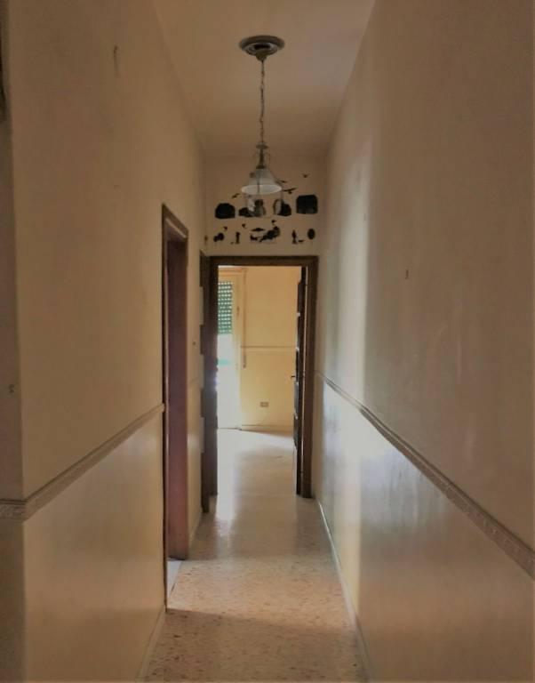 Appartamento in vendita a Arzano, 3 locali, prezzo € 85.000 | CambioCasa.it