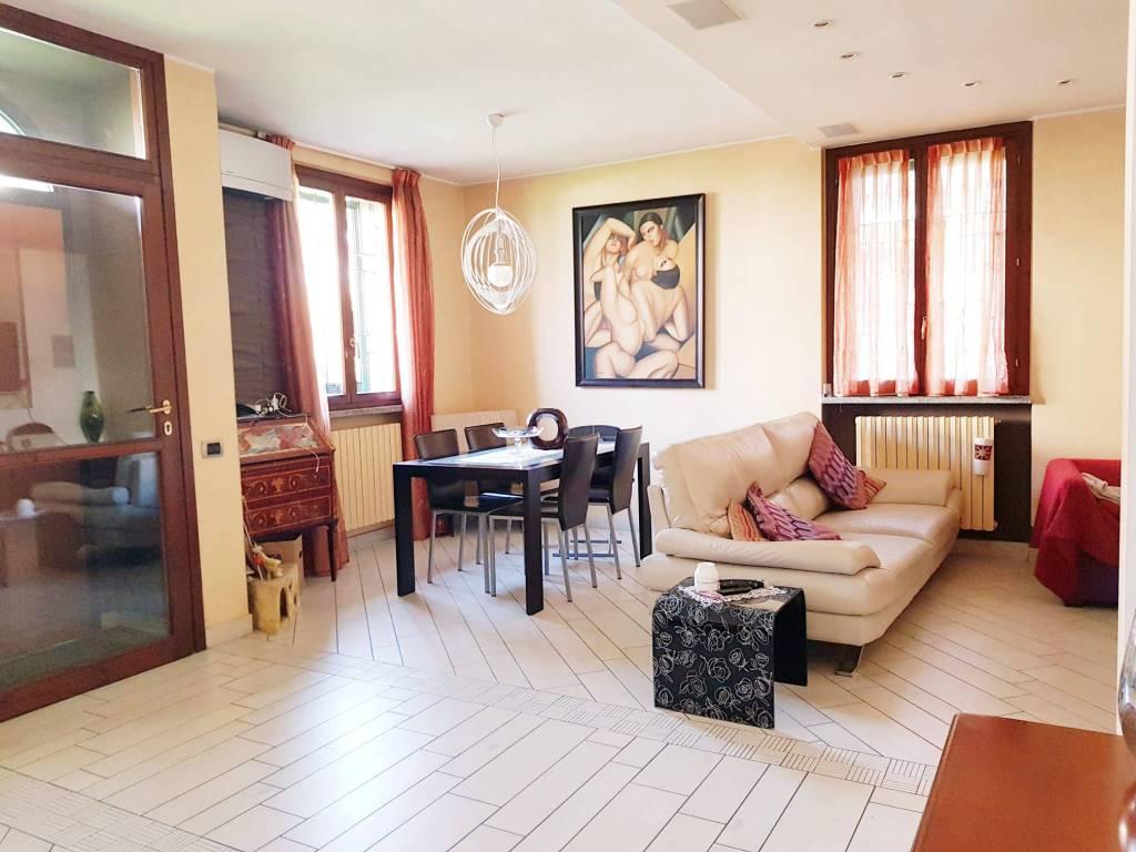 Appartamento in vendita a Vignate, 3 locali, prezzo € 275.000 | CambioCasa.it