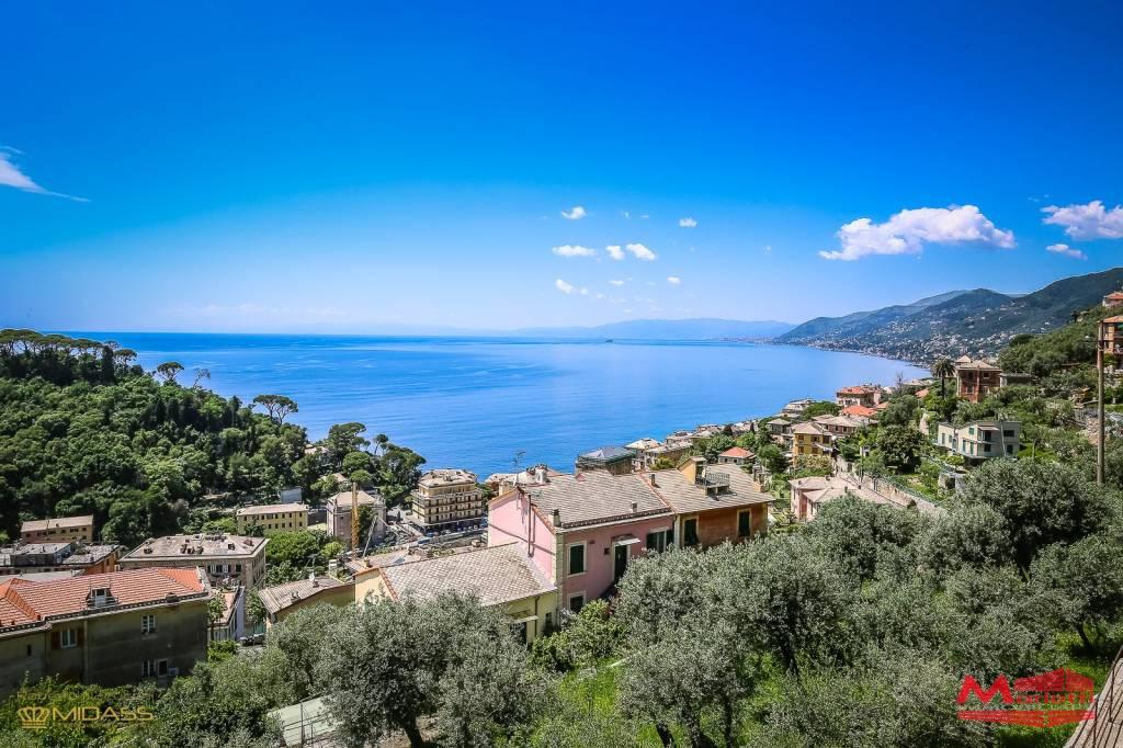Appartamento in vendita a Camogli, 6 locali, prezzo € 480.000 | CambioCasa.it