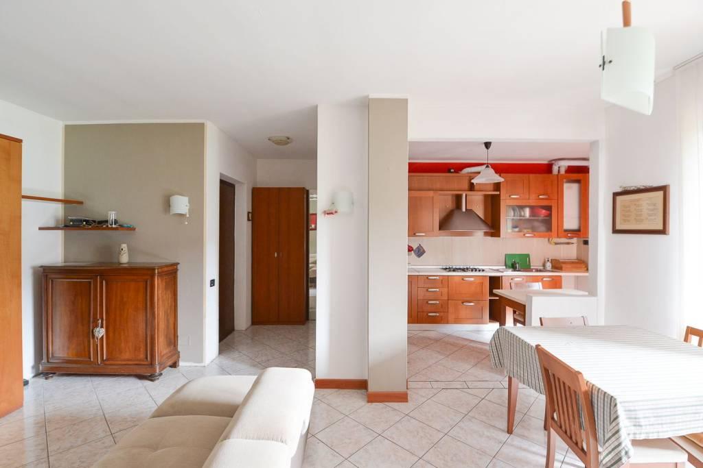 Appartamento in vendita a Lipomo, 4 locali, prezzo € 115.000 | PortaleAgenzieImmobiliari.it