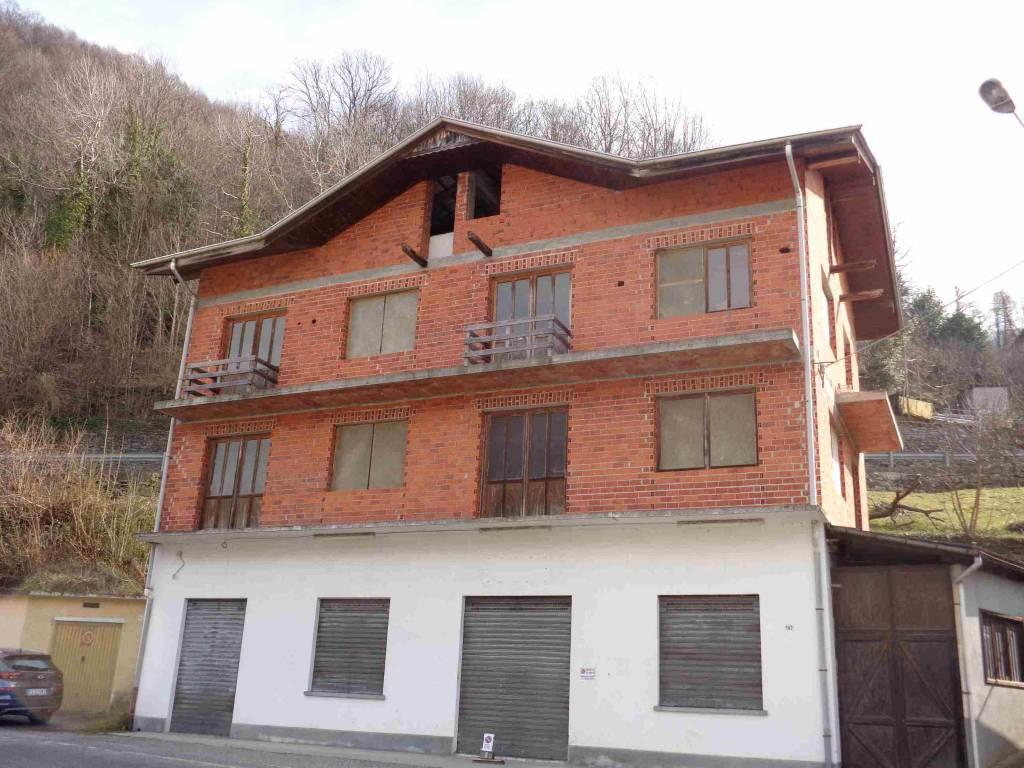 Soluzione Indipendente in vendita a Ceres, 14 locali, prezzo € 50.000   PortaleAgenzieImmobiliari.it