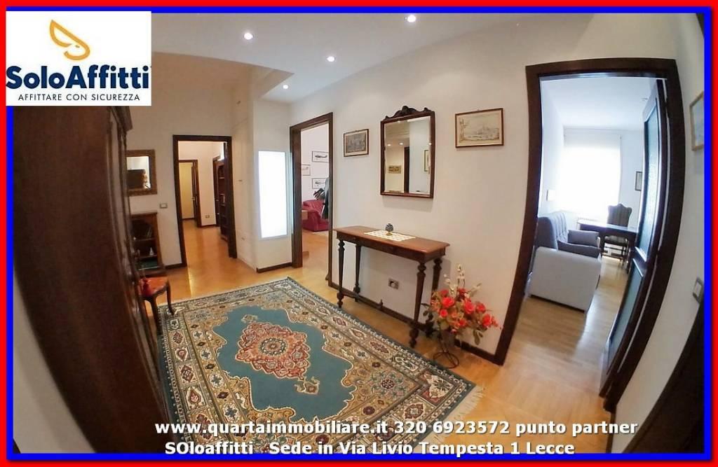 Appartamento in Affitto a Lecce Centro: 4 locali, 199 mq